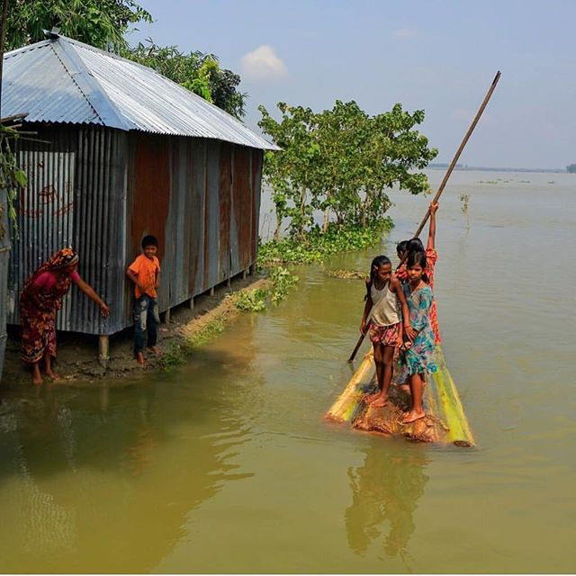 Regram from Over one million children have been affected by the recent flooding in Northern Bangladesh. Ensuring a guaranteed income for communities over the next few months is more important than ever