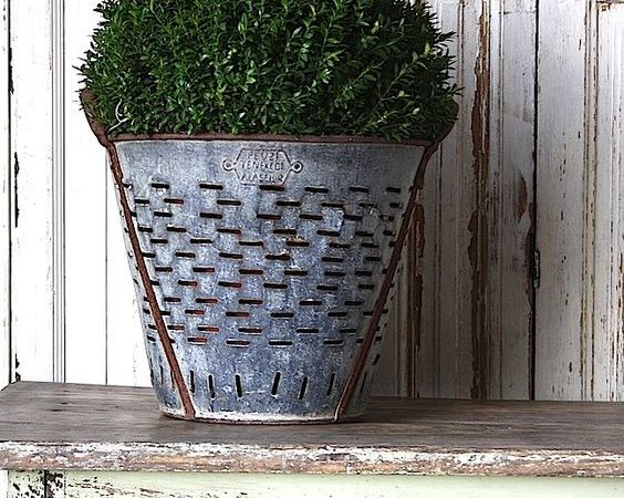 Vintage Olive Buckets – I Think I Have to Have One!