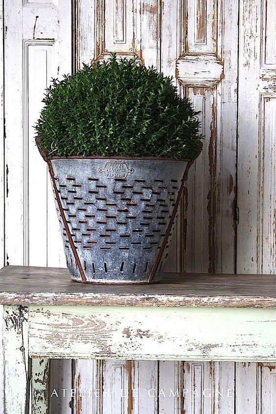 vintage-olive-bucket