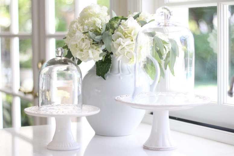 hydrangeas-white-gorgeous-kitchen-pitcher