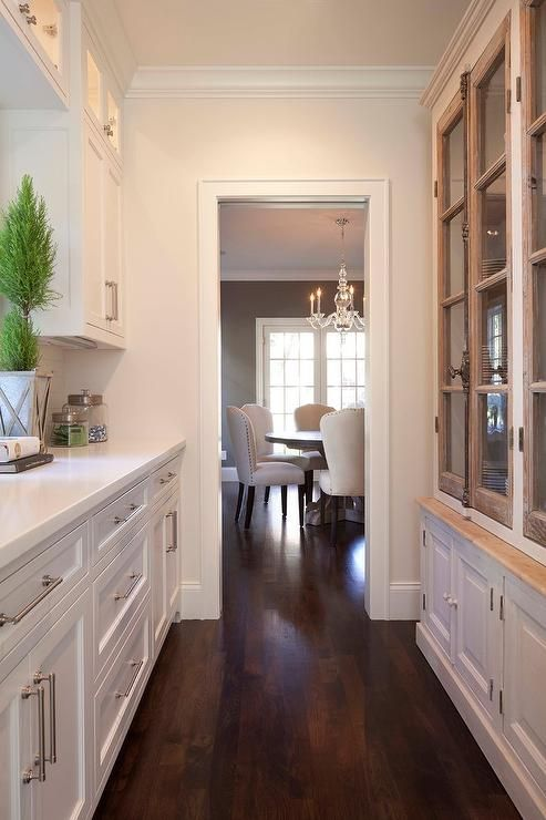 white-kitchen-butlers-pantry