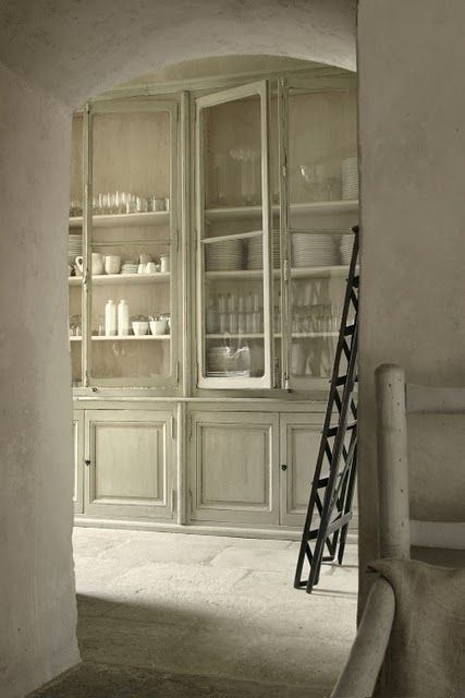 french-butlers-pantry