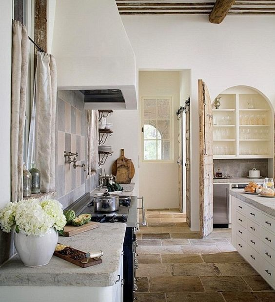 french-farmhouse-kitchen-8