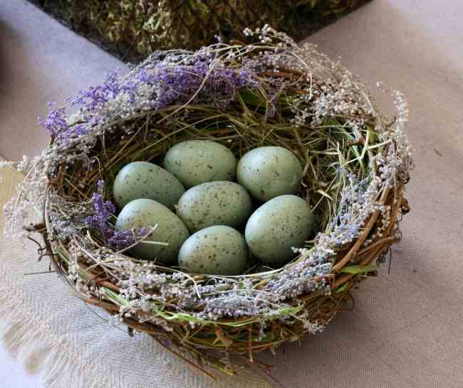 easter-nest-eggs-table