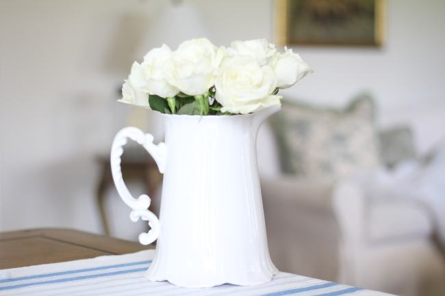 roses-coffee-table-decorating-flowers