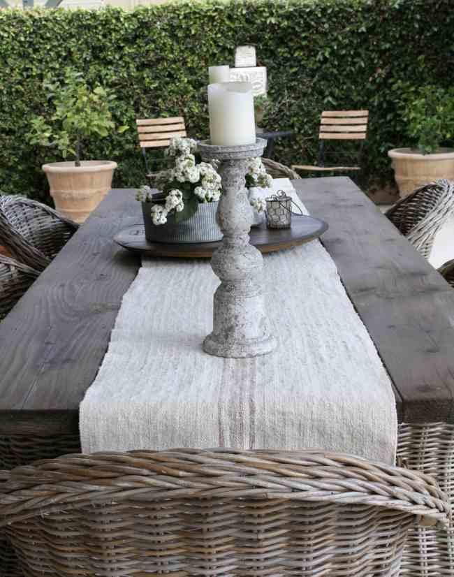 outdoor-space-dining-table