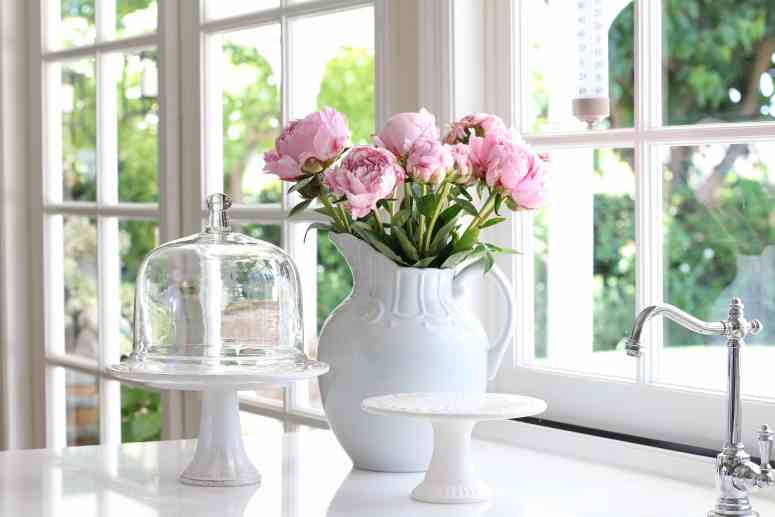 summer-home-tour-gorgeous-pink-peonies