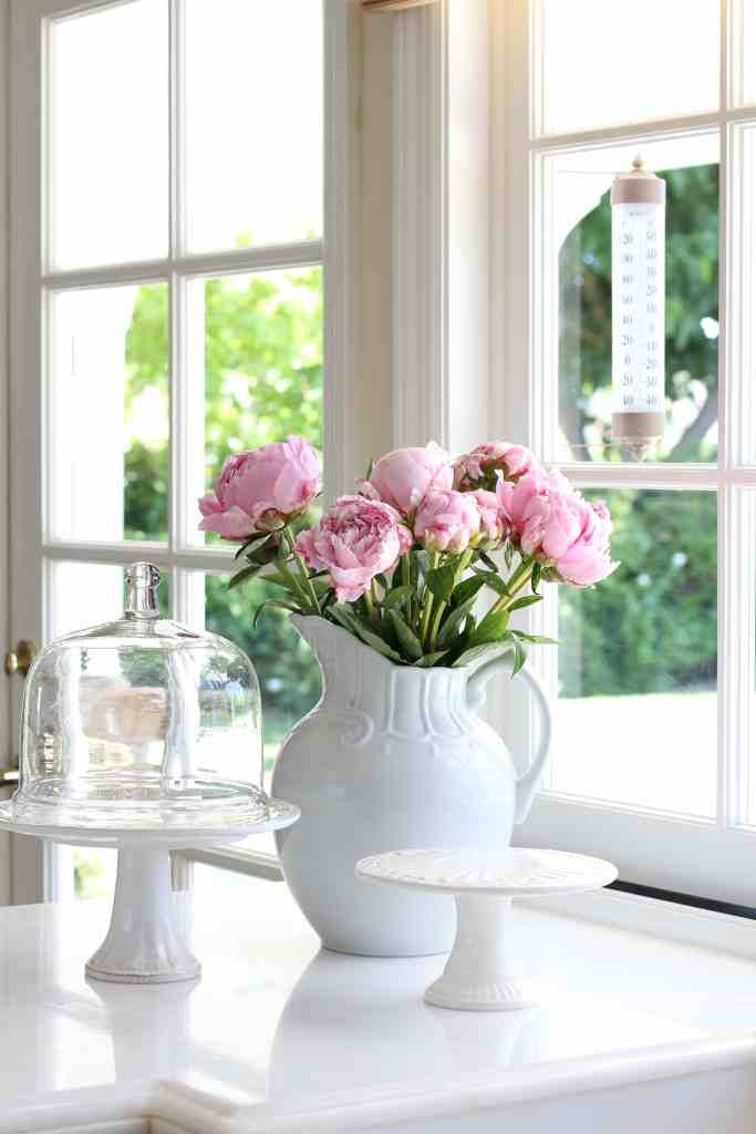 summer-home-tour-white-kitchen-pink-peonies-2
