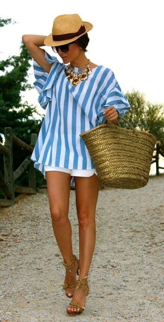 straw-bag-striped-top-beach