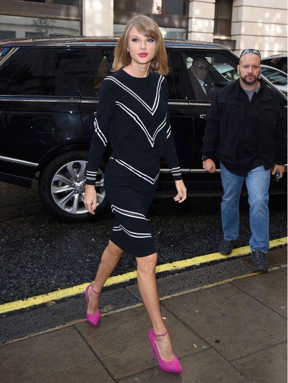pink-accessories-heels-taylor-swift