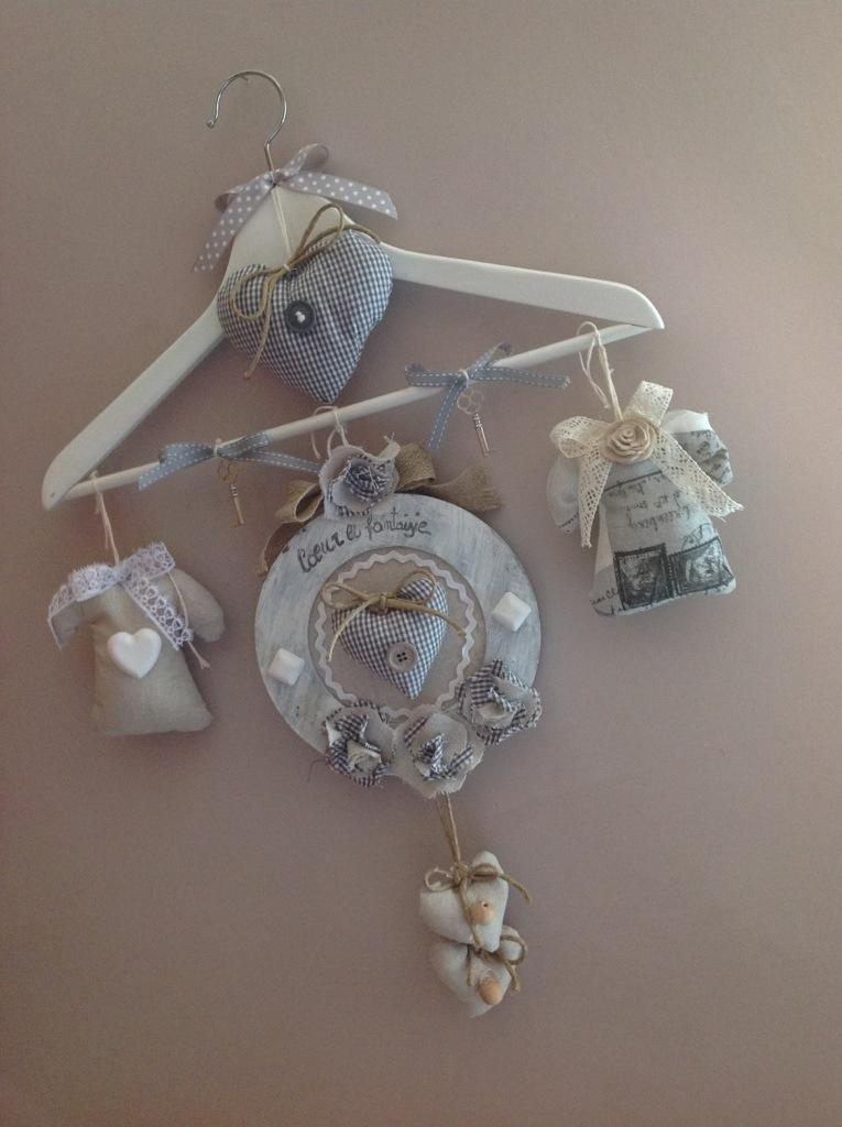 Quanto costano i lampadari shabby chic di maison du monde; Una Stampella Tutta Shabby Maison Des Souvenirs