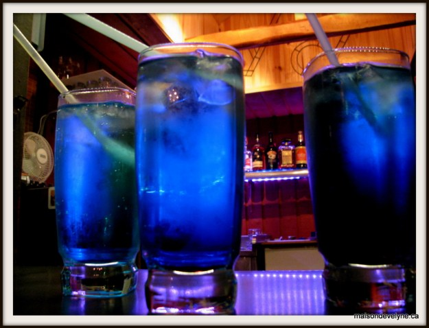 Un Maison d'Évelyne Gin  Curaçao