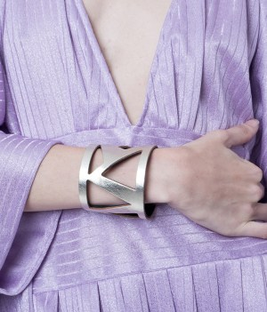 joyería contemporánea, uso urbano, fiesta, mujer, diseño argentino