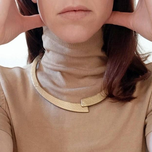 collar quat dorado