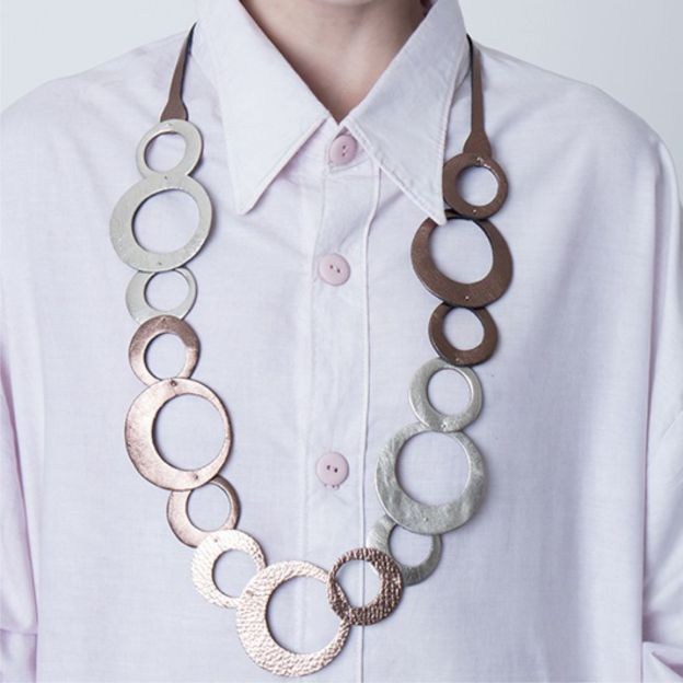 collar olivia largo