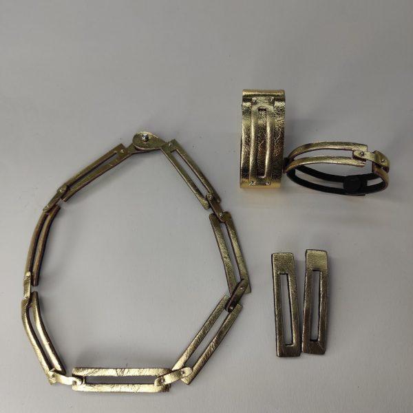 collar Ku dorado