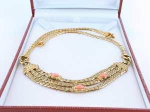 Collier en corail rose et plaqué or 012