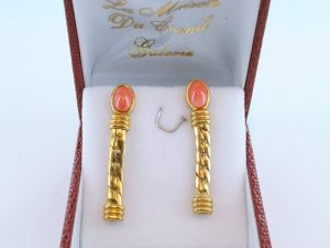 Boucles oreilles en corail rose et plaque or BO-Boucles oreilles en corail rose et plaque or BO-CO-RO-009