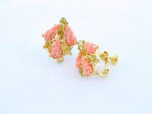 Boucles oreilles en corail rose et plaque or BO-CO-RO-027