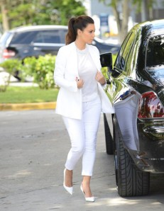 kim-kardashians-look-branco