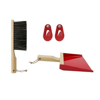 pelle et balayette avec crochet rouge andree jardin