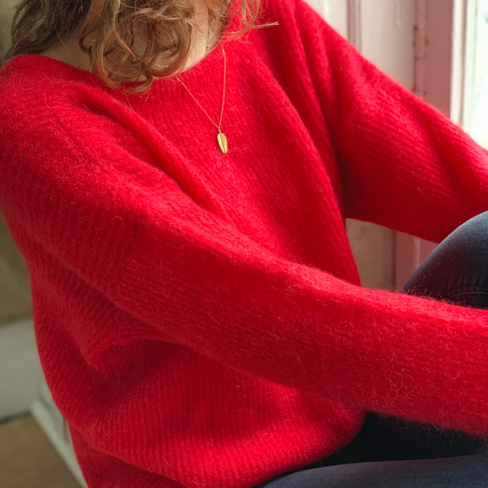 pull-maille-v dos-doux-reversible-mohair-laine-noir-blanc-rouge-rose-rouge