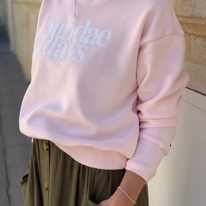 sweat-rose-poudre-inscription-frnch-paris-maison-prune