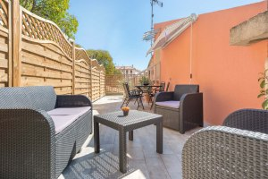 Entire view of the terrace of the holiday rental guest house maison saint jerome in aix en provence