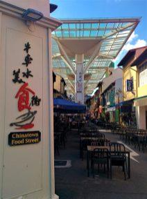 Praça de alimentação na Chinatown em Singapura