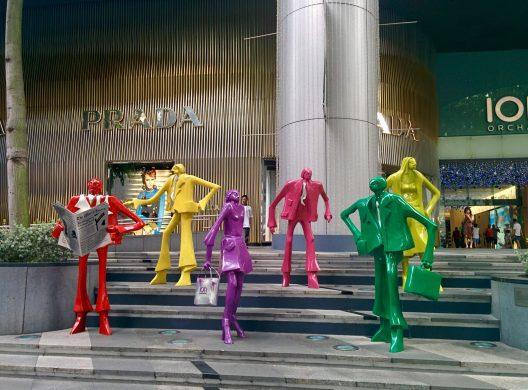 Estátuas na Orchard Road em Singapura.