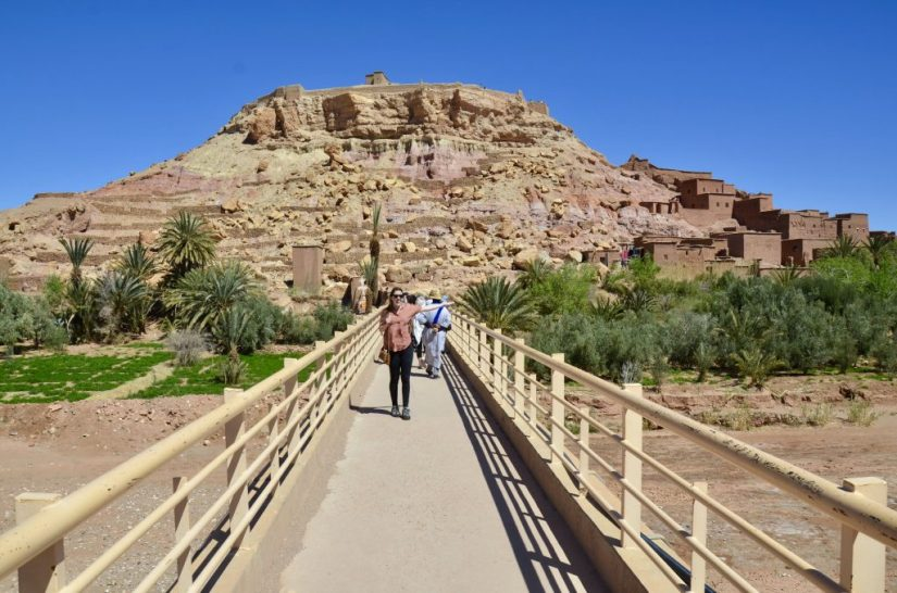Ponte de acesso para o kasbah de Ait Benhaddou, Marrocos.