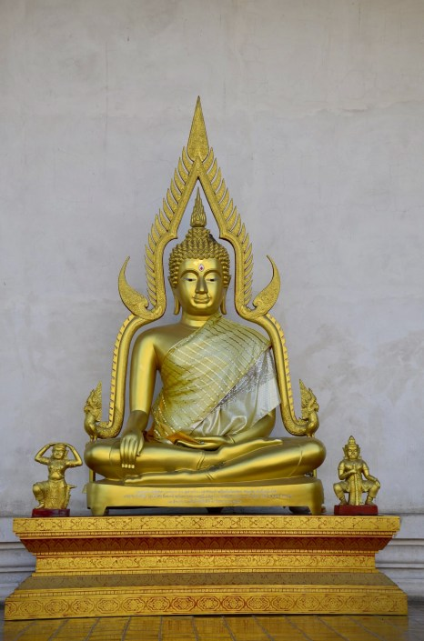 Templo Wat Chedi Luang, Tailândia