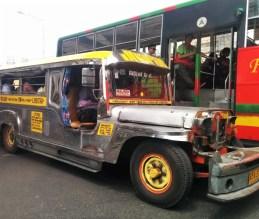 Jeepney em Manila