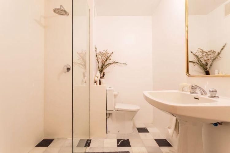 Un antiguo apartamento reformado de forma sencilla10