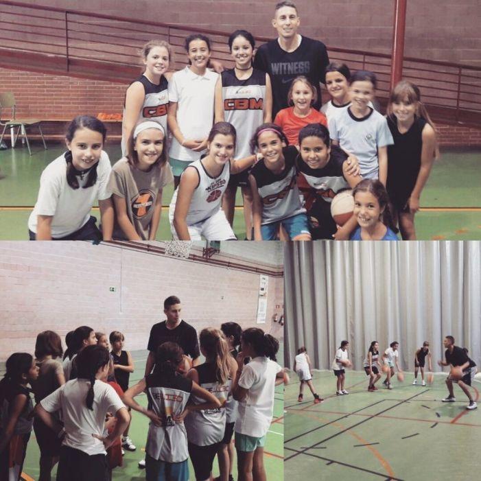 """Baloncesto: Jaycee Carroll (Real Madrid) enseña sus trucos de """"Mejor Escolta ACB"""" a las jugadoras del CB Majadahonda"""