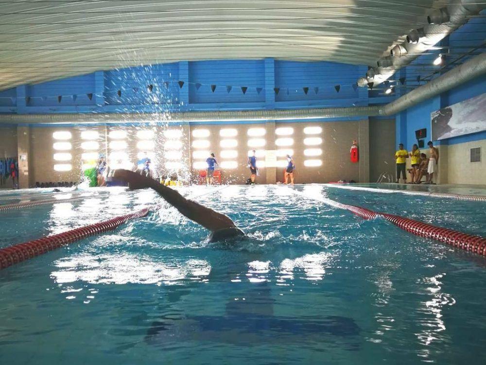 Los atletas de majadahonda se imponen en la 1 edici n del for Piscina cubierta alcorcon