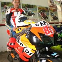 Test Honda CBR 600RR 2008 VS Yamaha R6 VS Superbike ( GSX-1000RR K8,CBR 1000RR, Ducati 999, 1098)