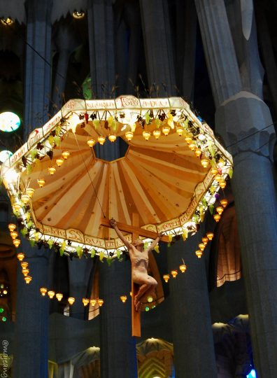 travelling on budget- Crucifixation of Christ inside La Sagrada Familia, Barcelona