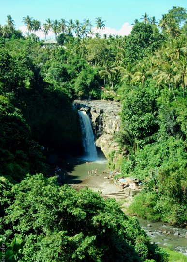 3 must see places in bali- Tegenungan waterfall