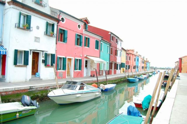 places worth visiting, Burano fishing village
