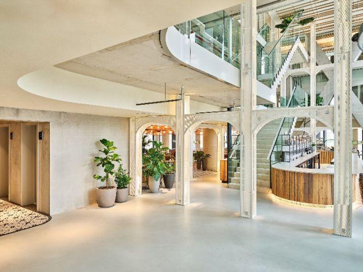 hotel bucket list - QO entrance