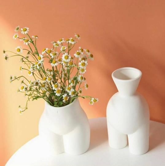 Christmas gift guide with etsy - butt vases on majeang.com