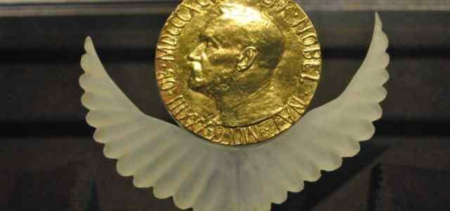Les 5 histoires les plus déroutantes du prix Nobel d'économie  Exemplaire