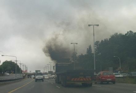 Quelle ville asiatique est en alerte rouge pour la pollution atmosphérique depuis le jeudi 15 décembre ?
