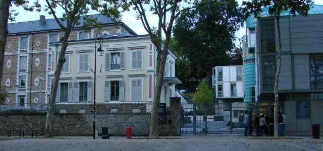 Lycée La Bruyère – Classe préparatoire aux Grandes Écoles de Commerce, Option Scientifique.