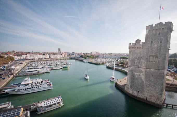 Plus grand port de plaisance à flot d'Europe, combien de places compte le port de plaisance de La Rochelle ?