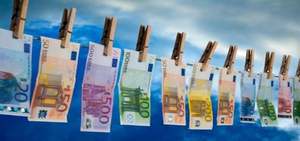 Quel pays ne figure pas dans la liste des 17 pays stigmatisés comme paradis fiscaux par l'UE ?