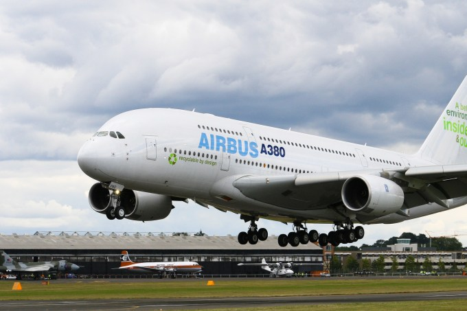 Les taxes sur les avions Airbus importés d'Europe aux États-Unis s'élèvent désormais à...