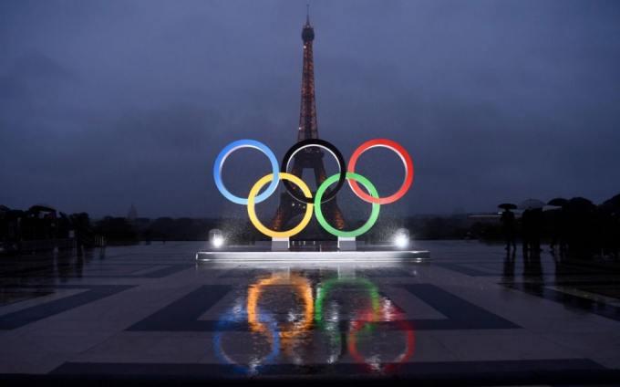 La Tour Eiffel fait partie du logo pour les JO 2024.