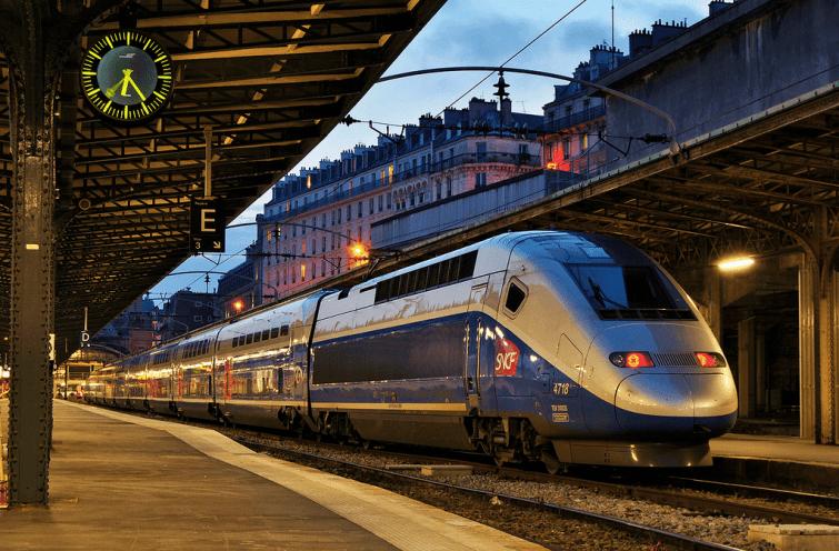 A combien s'élève la part de dette de la SNCF que l'État va prendre en charge ?